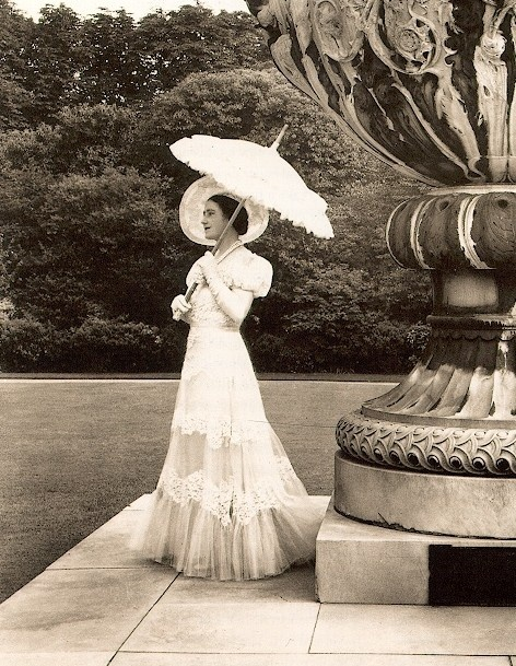 Cecil Beaton photograph
