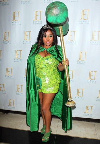 "Snooki as the ""Pickle Princess"" for Halloween"